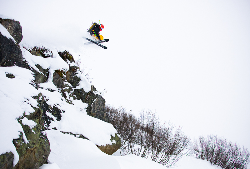 Nick Hayter leaping in Bachsiete in St. Anton Am Arlberg, Austri